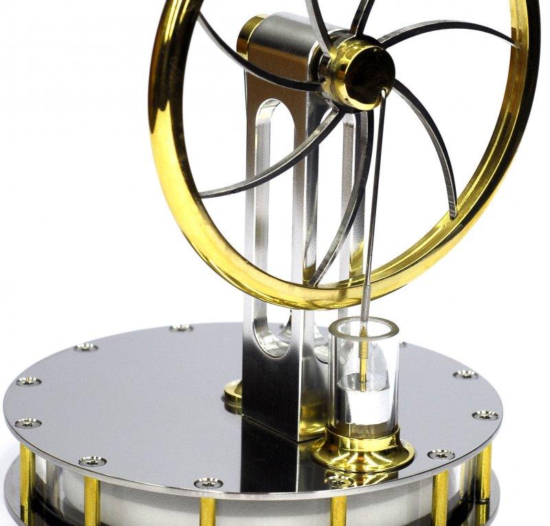 Edelstahl-Stirlingmotor, betriebsbereit