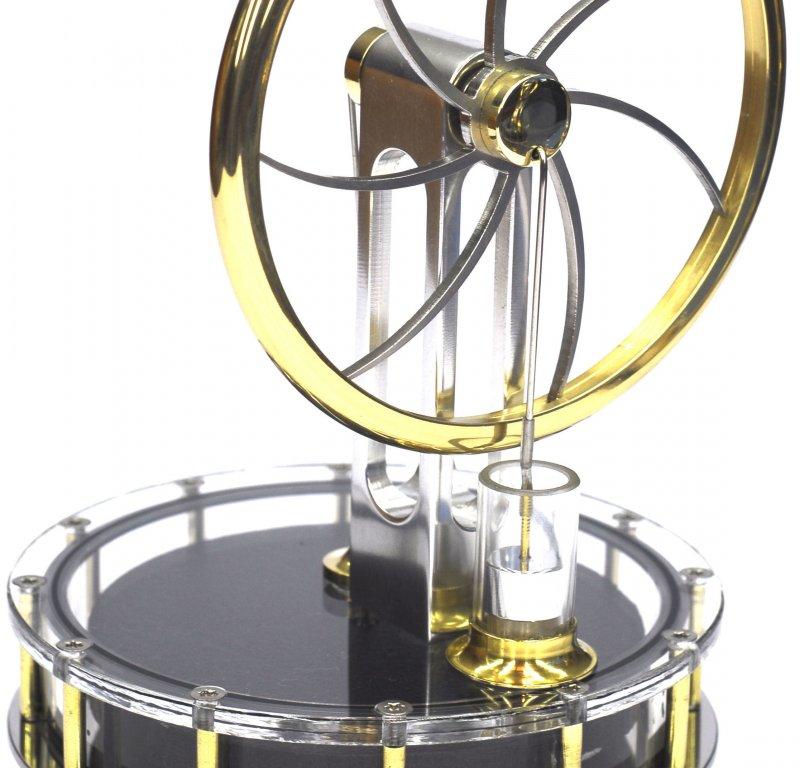 Solar-Stirlingmotor, betriebsbereit