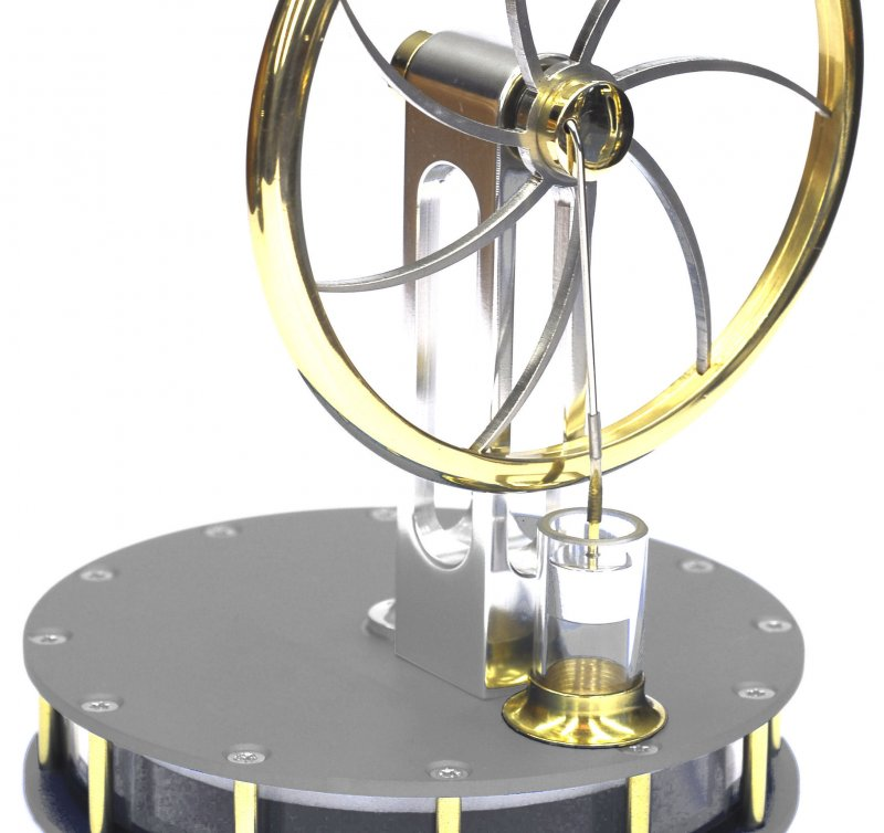 Stirlingmotor, betriebsbereit aus eloxiertem Aluminium