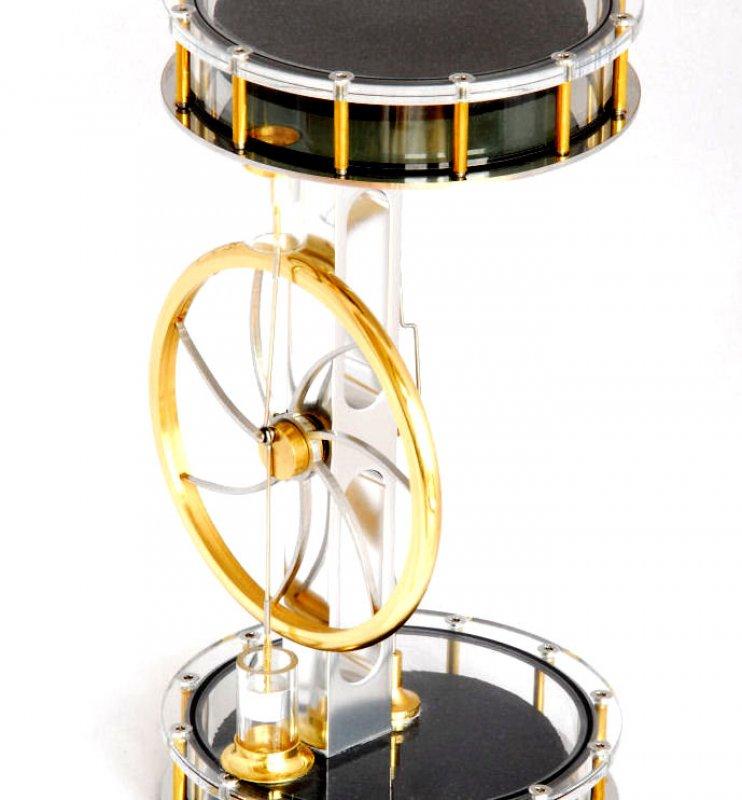 Zweizylinder-Solar-Stirlingmotor, betriebsbereit
