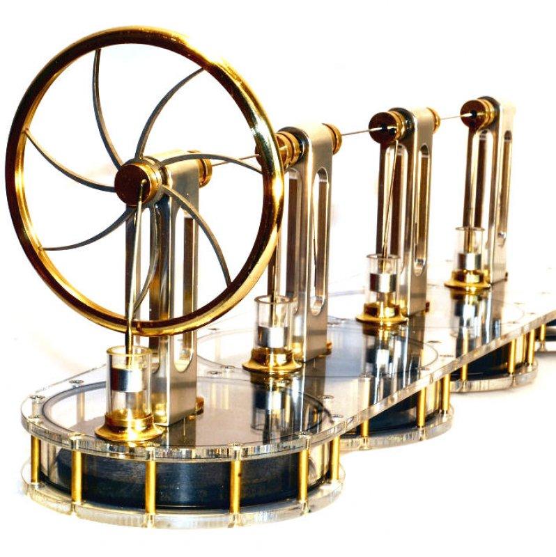 Vierzylinder-Solar-Stirlingmotor, betriebsbereit